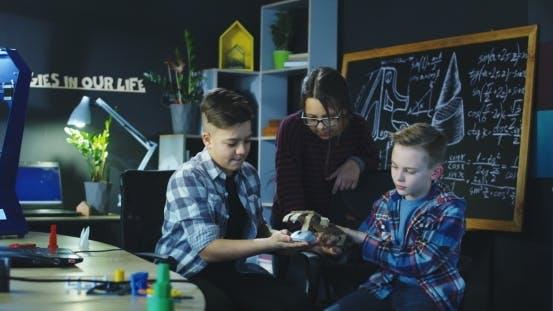Thumbnail for Kids Exploring Robotic Science