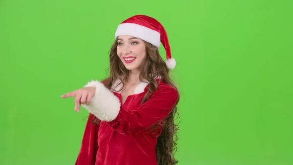 Thumbnail for Santas Assistant Draws an Airy Congratulation on the New Year on Green Screen