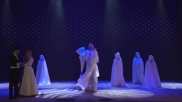 Thumbnail for Beautiful Performance in Modern Theatre