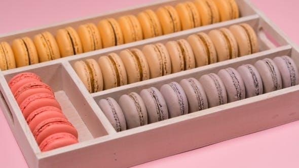 Bunte Macarons in der Box