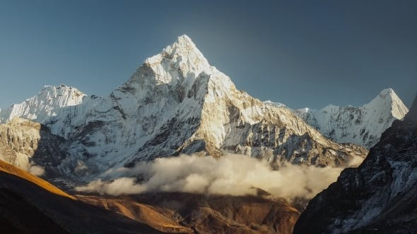 Thumbnail for Evening View of Ama Dablam on the Way To Everest Base Camp - Nepal