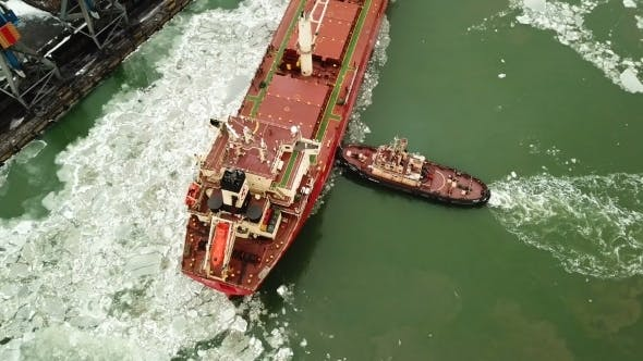 Thumbnail for Mooring of a Ship in a Port By Means of Towboats