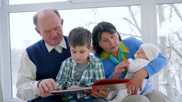 Cover Image for Parenting, Pensioner Family with Children Spend Leisure Time with Book