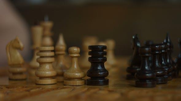 Black Rook capturant le pion blanc dans le jeu d'échecs