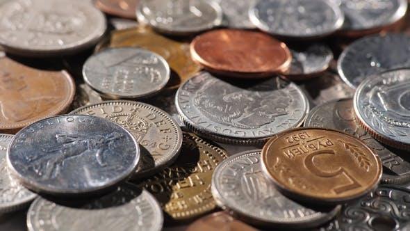 Thumbnail for Metallmünzen aus verschiedenen Ländern der Welt. Hintergrund der Münzen
