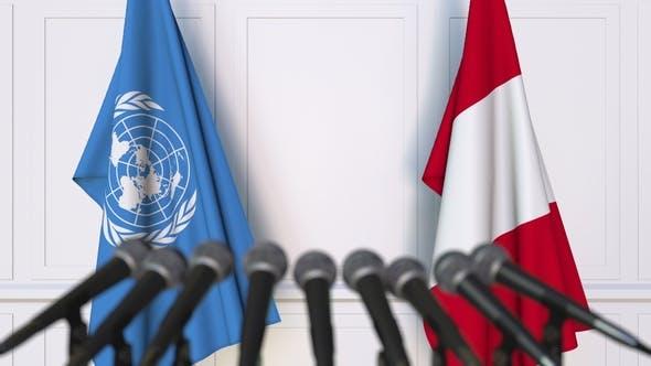 Thumbnail for Flaggen der Vereinten Nationen und Peru auf der Internationalen Pressekonferenz