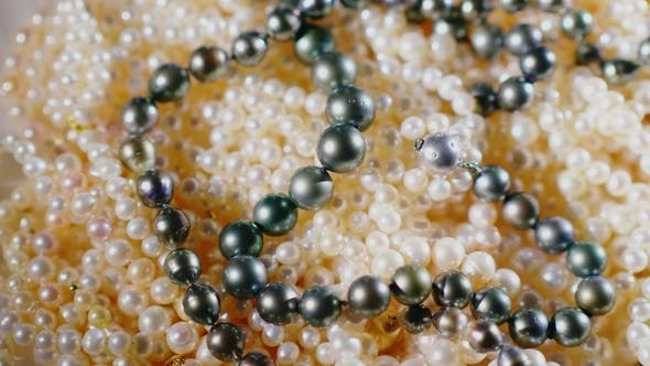 Cover Image for Beads From Natural Pearls of Black and White Color