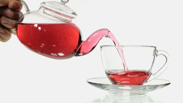 Thumbnail for Herstellung von Hibiskus-Tee in einem Glas einer Tasse Tee