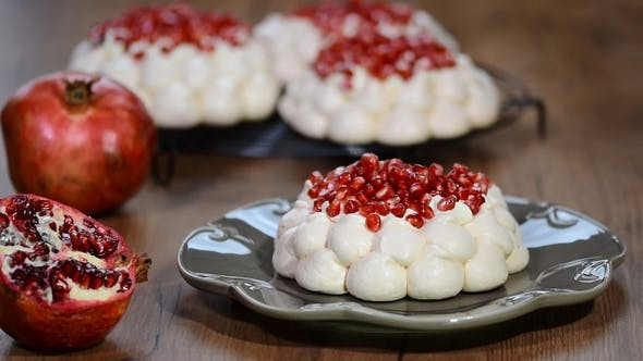 Thumbnail for Meringues Pavlova Cake Wreath with Pomegranate