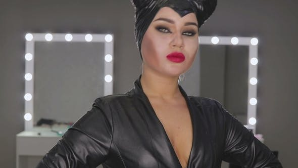 Thumbnail for Make-up Artist Make the Girl Halloween Make Up in Studio