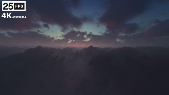 Thumbnail for Fliegen durch Wolken 05 4K