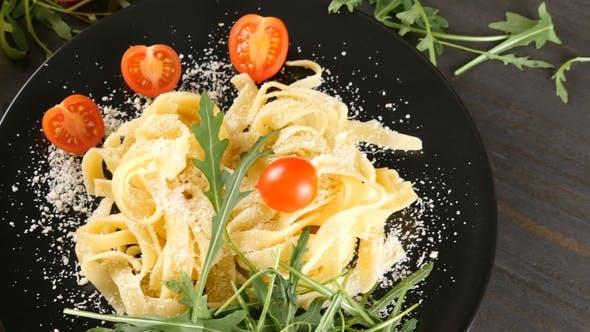 Traditionelle italienische Tagliatelle Pasta