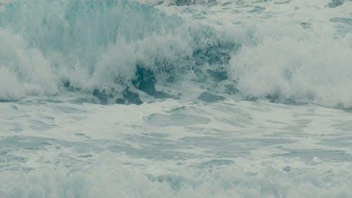 Kraftvolle Ozeanwellen