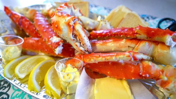 Thumbnail for Red King Crab Legs with Fresh Lemon Slices