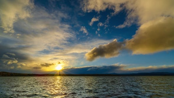 Thumbnail for View on the Lake and Sky During Sunset at El Calafate Autumn in Patagonia, The Argentine Side