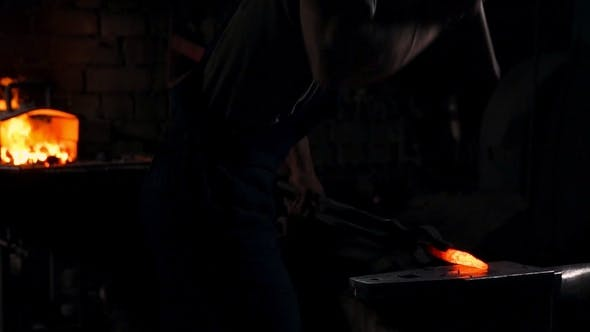 Thumbnail for Getting Hot Metal from the Furnace to Make an Arrow Tip