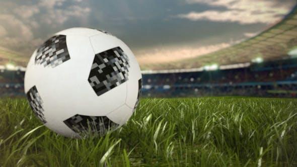 Thumbnail for Футбольный мяч прокатывает по полю