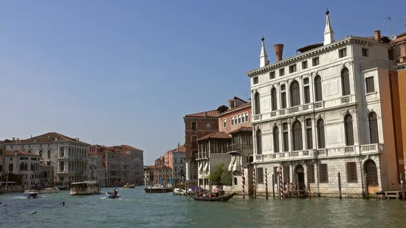 Cover Image for Grand Canal in Venice, Italy