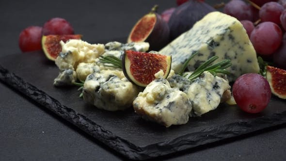 Thumbnail for Video of Roquefort or Dorblu Cheese and Fig