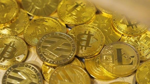 Thumbnail for Internet Währung Bitcoin fällt auf reale Modell