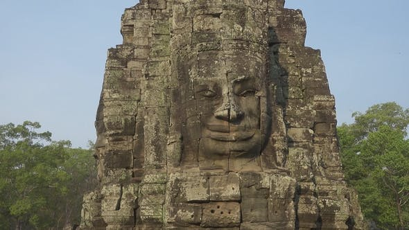 Cover Image for Giant Stone Faces at Bayon Temple, Cambodia