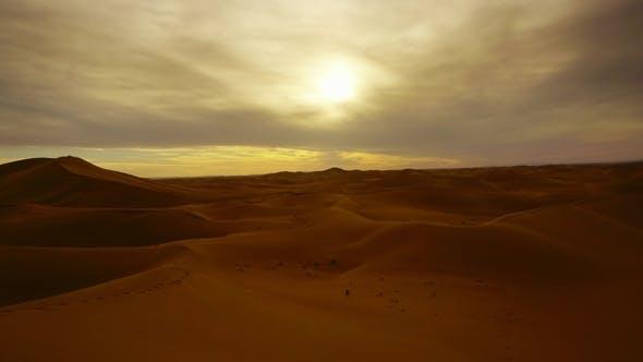 Cover Image for Landscape in Sahara Desert at Sunset,
