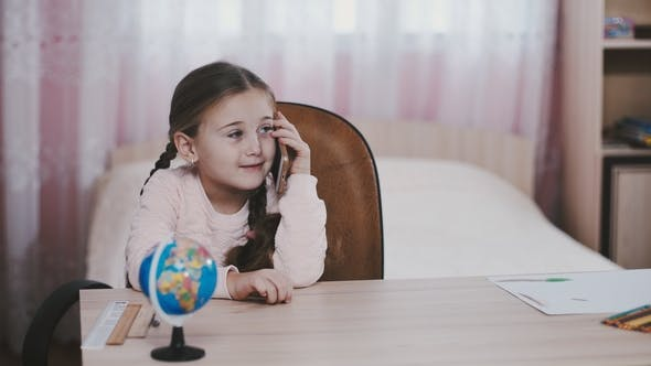 Cover Image for Little Girl with Phone