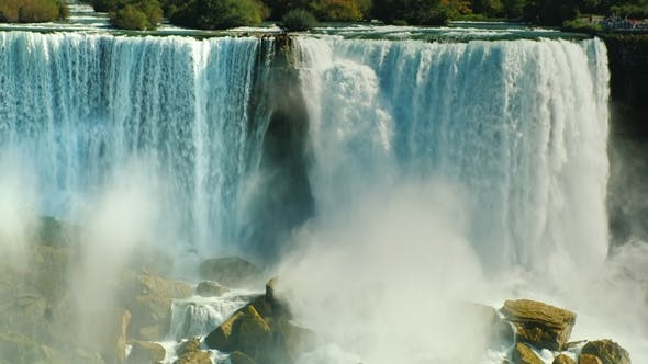 Cover Image for Video: Cascade of Incredible Waterfalls - Niagara Falls.