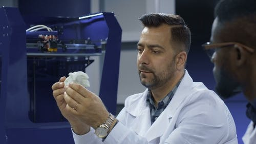 Archeologists Working with 3-D Printing
