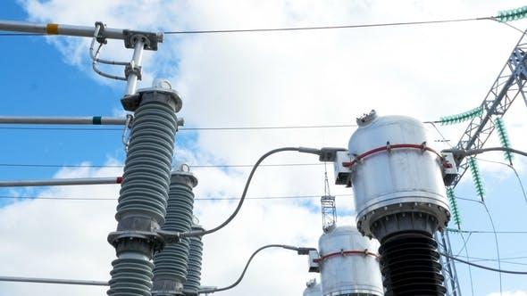 Thumbnail for Isolatoren verbinden einzelne Teile von elektrischen Anlagen