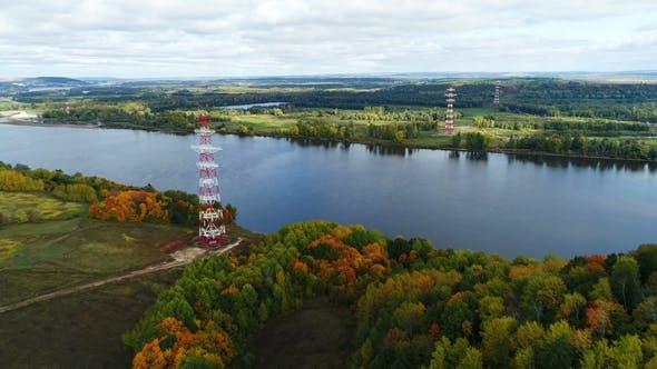 Thumbnail for Elektrische Stromübertragungsleitung gegen Herbst Landschaft