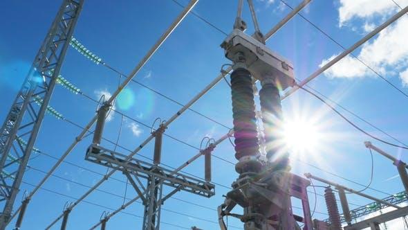 Thumbnail for Hochspannungsleitungen über elektrischen Transformatoren