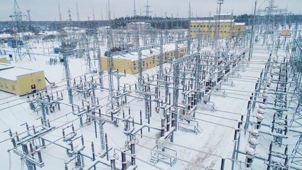 Thumbnail for Gebäudeisolatoren und Schaltanlagen am Umspannwerk