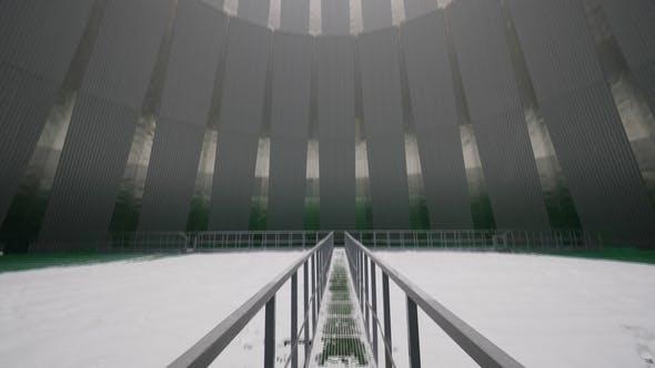 Thumbnail for Blick von Brücke über gefrorenen Pool zu Loch oben
