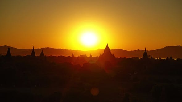 Cover Image for Silhouette of Temples in Bagan at Sunset