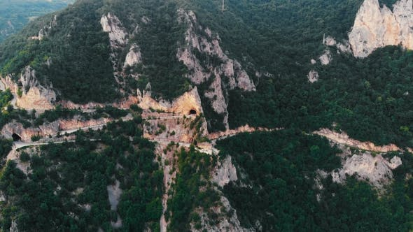 Cover Image for Flight Over Mountain Serpentine, Drone Shot