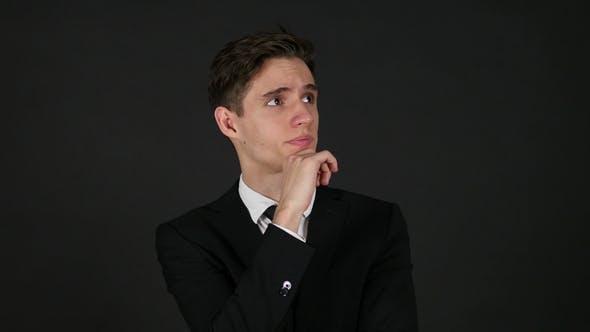 Thumbnail for Thinking Geschäftsmann Dunkel Schwarz Hintergrund