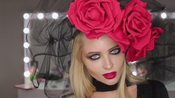 Thumbnail for Perfect Goth Female Posing für Kamera