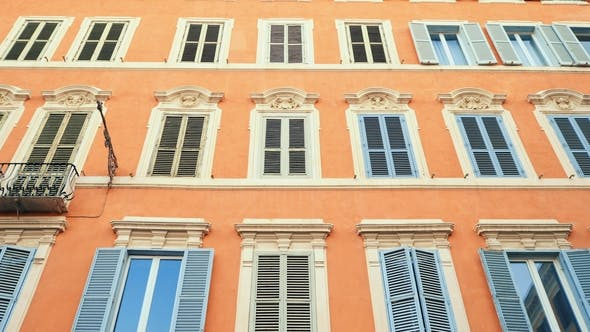 Cover Image for Apartment Building Streets in Rome