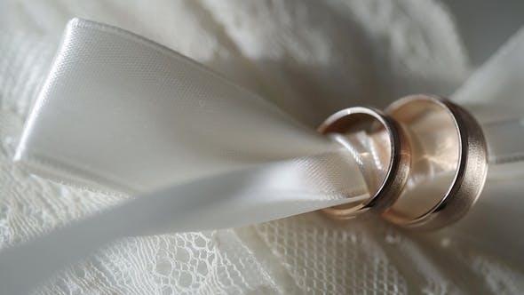 Gold Wedding Rings   Shoot Diamon Jewellery