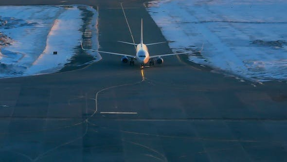 Thumbnail for Plane Is Moving On The Taxiway
