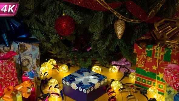 Thumbnail for Wunderbare Geschenke unter dem Weihnachtsbaum