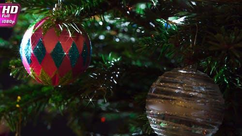Glitzerndes Weihnachtsspielzeug
