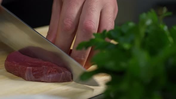 Thumbnail for Rotes Fleisch schneiden