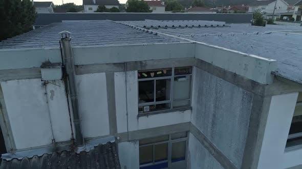 Dangerous Asbestos Roof in School