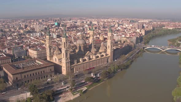 Thumbnail for Aerial of Zaragoza with the Basilica and Ebro River