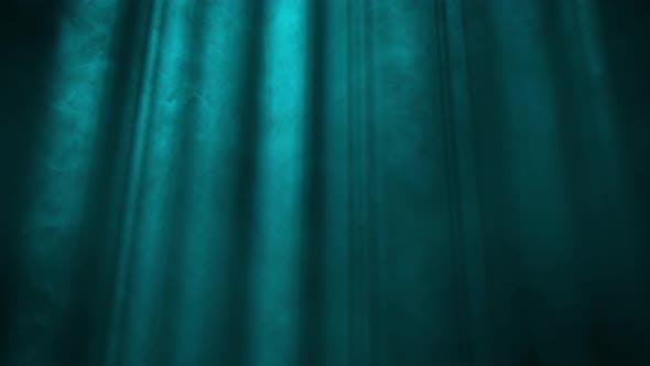 Lichtstrahlen auf blauem Hintergrund