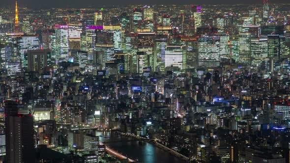 Thumbnail for Timelapse hell beleuchtetes Tokyo Stadtbild mit Fluss