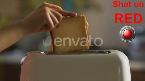 Toast Brot und Toaster zum Frühstück