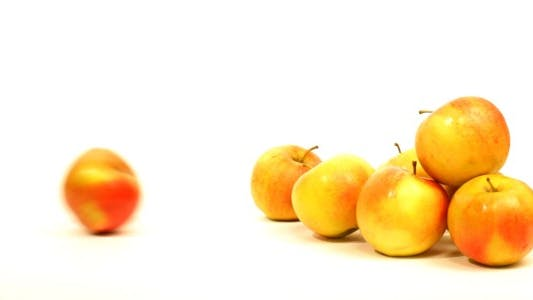 Thumbnail for Pile Of Fresh Ripe Apples